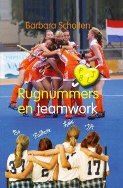 Rugnummers en teamwork (pap) - 9789021677712 - Barbara Scholten